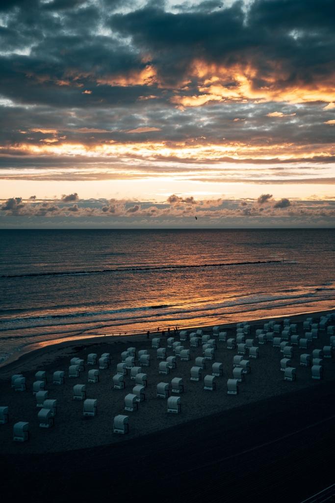 Sonnenaufgang am Strand auf Rügen