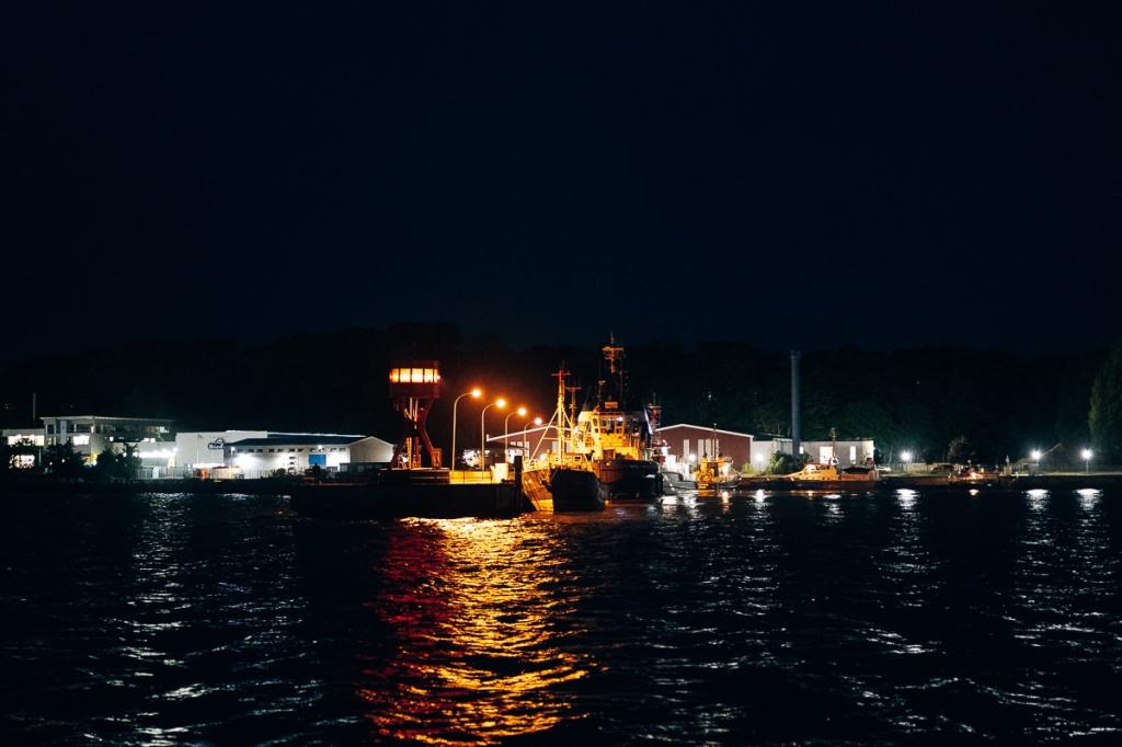 Hafen bei Nacht auf Rügen